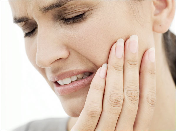 Woman having tootache